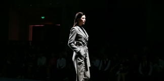 这是一场代表中国时尚学院派设计力量的联合秀,也是北服广州校友首次联合在gdfashionweek上亮相,这还是一场融入了科技和大数据的时尚发布秀