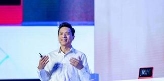 李彦宏在百度AI开发者大会被浇水