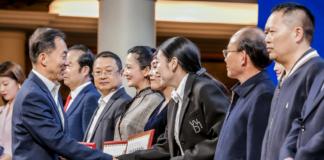 多年来,异地四川商会带领川籍企业家奋战在经济建设第一线,为四川乃至全国经济做出了杰出贡献