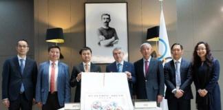 我们将持续在全球推广奥林匹克精神与文化,让中国的消费者更近距离地感受奥林匹克的魅力,将超越自我的体育精神融入到每个人的生活。为中国及世界体育行业的发展,贡献安踏永不止步的努力
