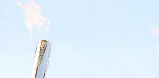 """安踏品牌提出""""科技引领极致性价比""""的定位,并进行了品类制改革;FILA延续了高速增长的势头;集团旗下新品牌迪桑特全年流水首次接近10亿"""