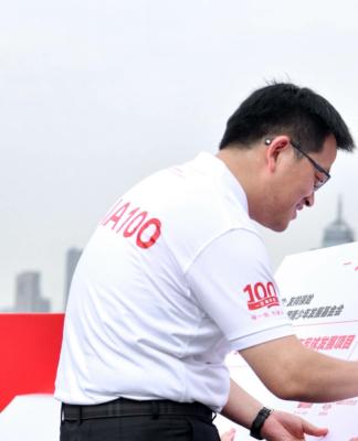 """从管理市场到掌舵几万人的公司,更大的视野上,张晓宇慢慢认识到了文化和价值观的重要性,而这也是""""中国最受信赖的保险公司""""愿景的初衷"""